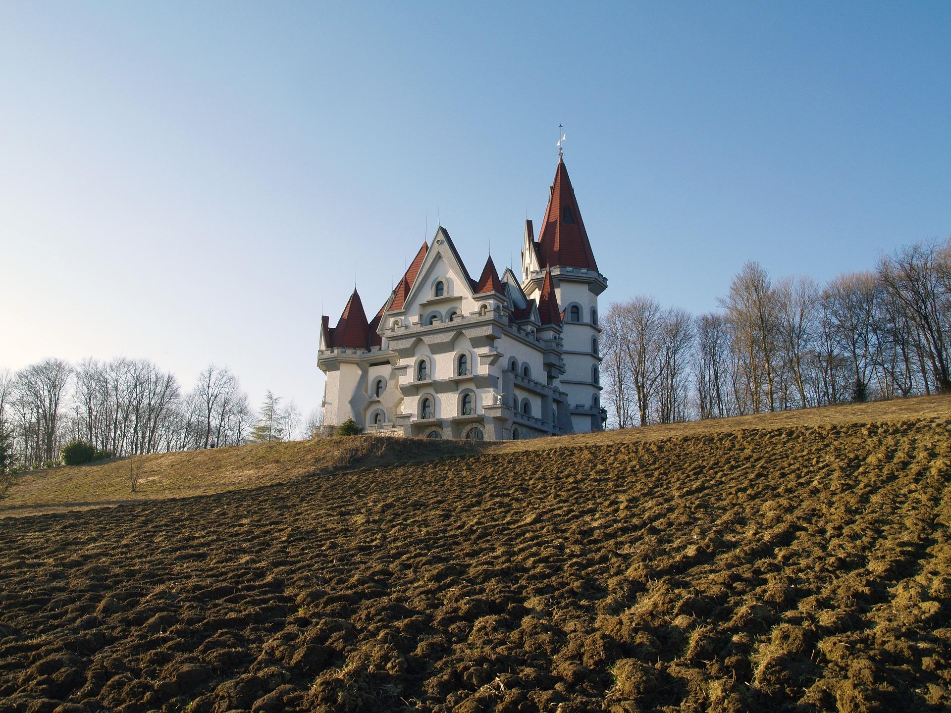 castle-1220798_1920